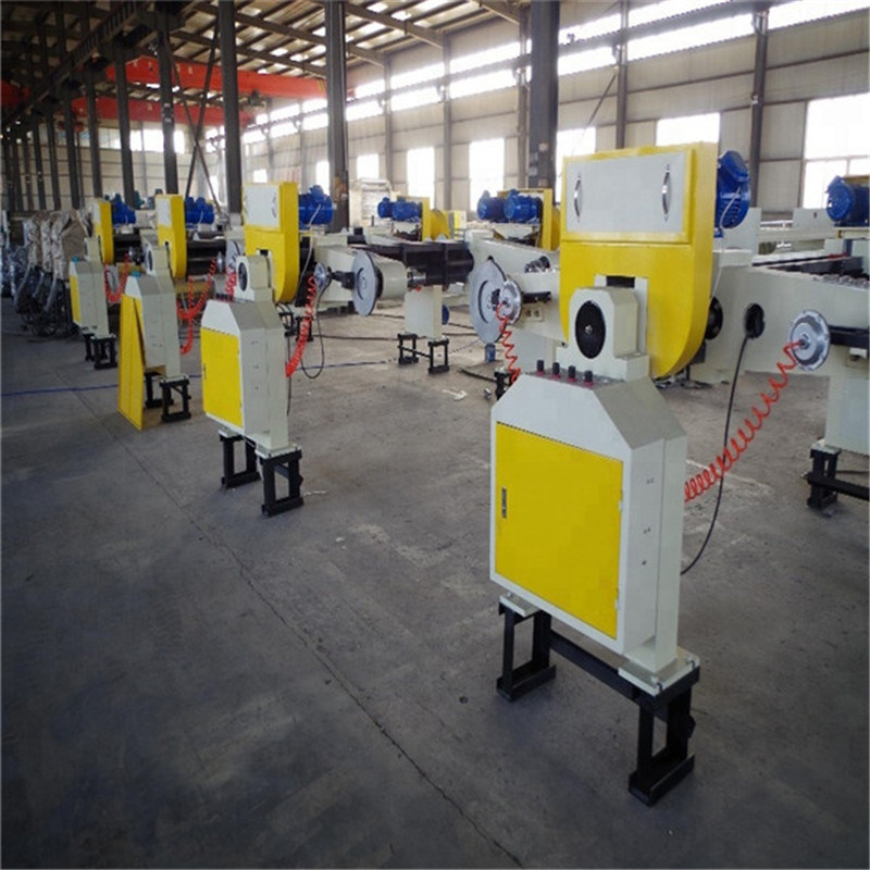 Mill Roll Stand on The Corrugated Cardboard Carton Making Machine