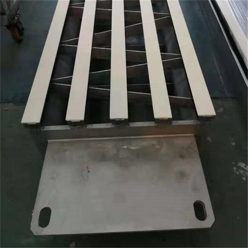 Angled Dewatering Element